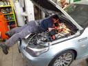 Önindító-kiszerelése-M5-ös-BMW-n, Autószerviz, autójavító, autójavítás: Budapest, XIII ker, 13. kerület, Angyalföld  - 1024x768 pixel - 208445 byte