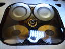Renaullt-Clio-1.4-16V-síkba-köszörült-hengerfej-új-kipufogo-és-szívó-szelpek-cseréje-után-becsiszolt-szelepekkel-ellenőréz-közben-szelepfészek-és-a-gyújtógyertya-jól-látszik-közeli-képpel-autószerviz, autójavító, autójavítás: Budapest, XIII ker, 13. kerület, Angyalföld - 1024x768 pixel - 195200 byte