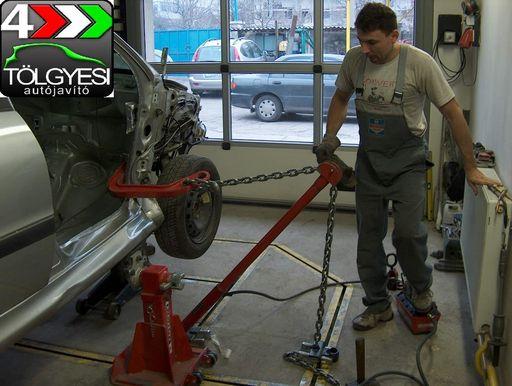 Karosszéria-javítás-lakatos-munka-húzatópadon-autószerviz, autójavító, autójavítás: Budapest, XIII ker, 13. kerület, Angyalföld - 1020x768 pixel - 206943 byte